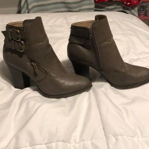 Ankle boot/high heel